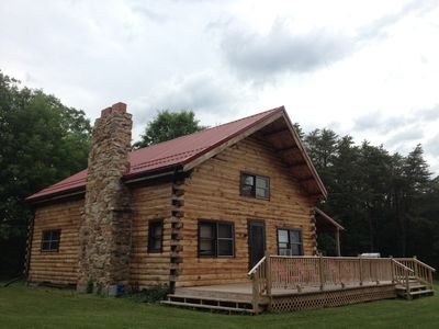 Beautiful private 7 acre lodge  - close to 3 boat launch areas of Raystown