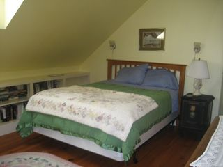 Round Pond apartment photo - Queen Sized Bed