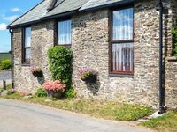 PRIMROSE COTTAGE, family friendly in Great Torrington, Ref 917906