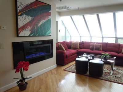 Luxurious & Spacious 3 BR/3BA Penthouse located steps from Chairlift 20