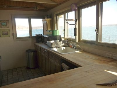 panoramic kitchen waterviews