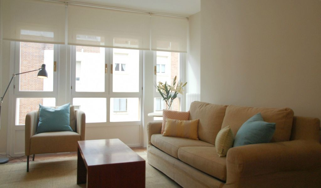Renovated 2BD apartment close to beaches and city centre, FREE WIFI