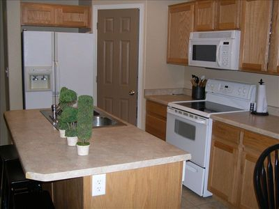 St. George condo rental - Fully loaded kitchen