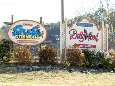 Less than 1 mile to Dollywood and Splash Country!