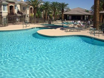 (3) Pools and Outdoor Entertainment Area