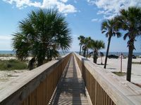 April/May/June $$$DEALS!, SMART TVs, FREE Wifi, 50 yds to piers/200 yds to BEACH