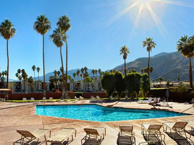 Palm Springs condo rental - Outdoor Swimming Pool at the Marquis Villas Resort