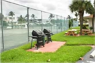 Free Gas Grills & Picnic Area next to the 4 Clay Tennis Courts