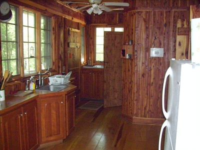 Shelbyville cabin rental - Kitchen
