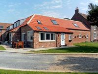 RABBIT HOUSE, pet friendly, with a garden in Skipsea, Ref 8242