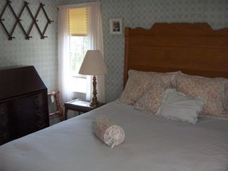 Lamoine lodge photo - Queen Bed Room