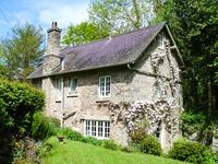 CROSSING COTTAGE , pet friendly, with a garden in Kington, Ref 905116