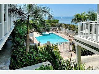 Key West condo photo - The Pool & Jacuzzi: right on the ocean...