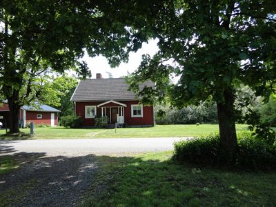 Savsjo cottage rental - The cottage in summer