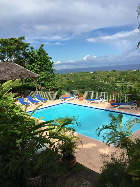 5 BR, Staff of 4, 5,200 Sq. Ft. Pool, Great Location & View!!
