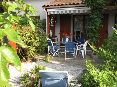 Villa comfort, 300 m from the center, enclosed garden in a private parking pinewood