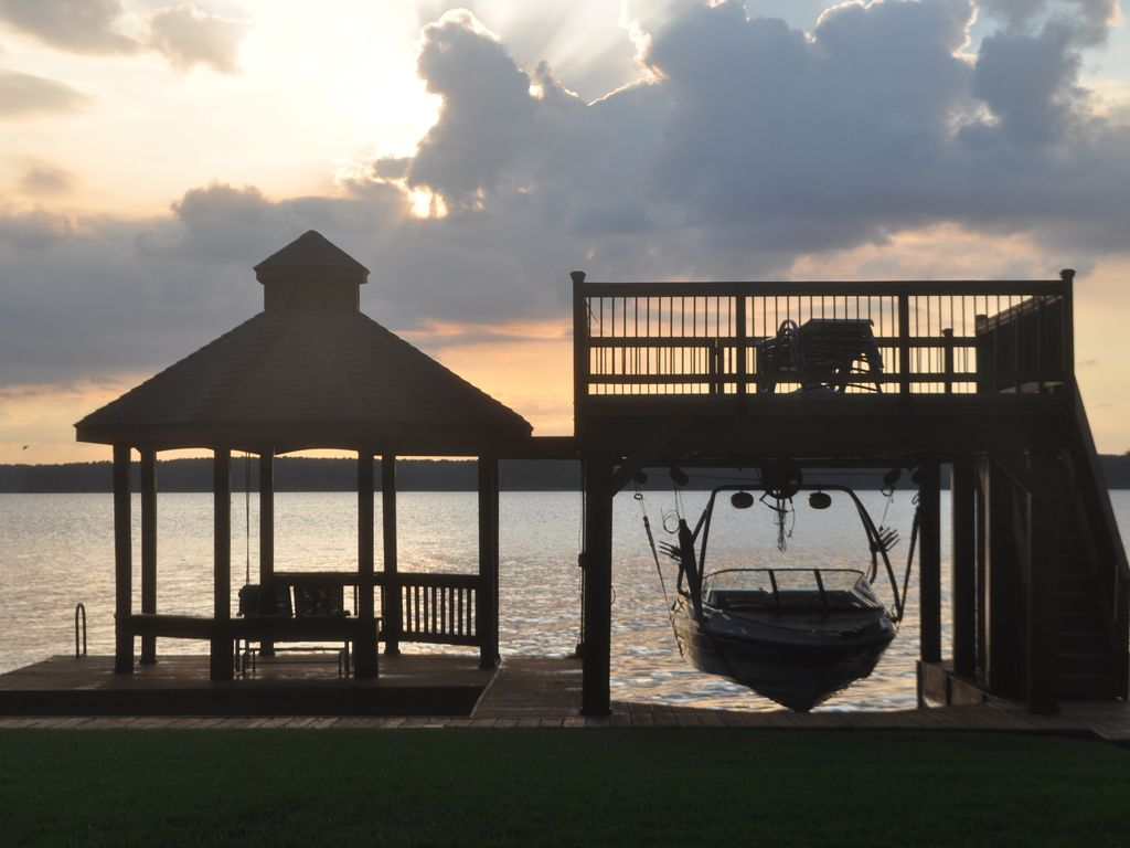 Lake Escape Lake Conroe Picturesque Homeaway Willis