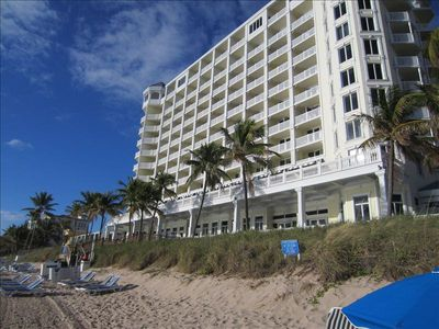 Fort Lauderdale hotel rental - Pelican Grand Beach Resort