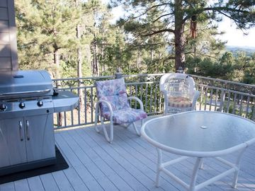 Off the kitchen, enjoy cooking in style while overlooking the great outdoors.