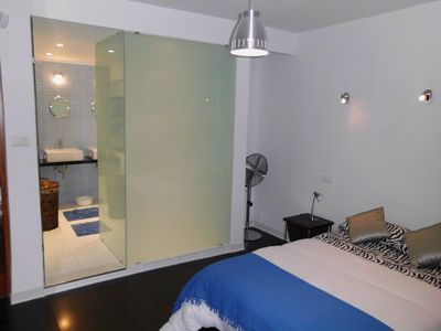 St Julian's Bay and Paceville apartment rental - Main Bedroom En Suite Bathroom