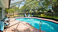 Love Island Living! Near Beach & Historic Venice Ave's shops! Private pool!