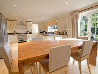 Six double bedroom family house in South Downs National Park