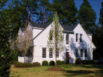Exclusive Carriage House, Historic District, Five Star Accommodations!