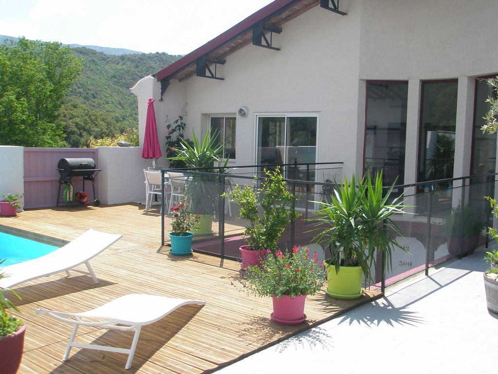 Peaceful house, with terrace , Dernacueillette, Languedoc-Roussillon