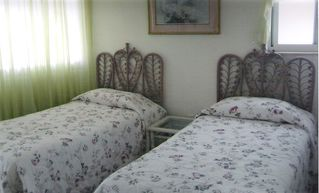 Satellite Beach condo photo - Comfortable 2nd bedroom w twin beds