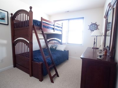 North Wildwood townhome rental - 3rd floor bunk bedroom