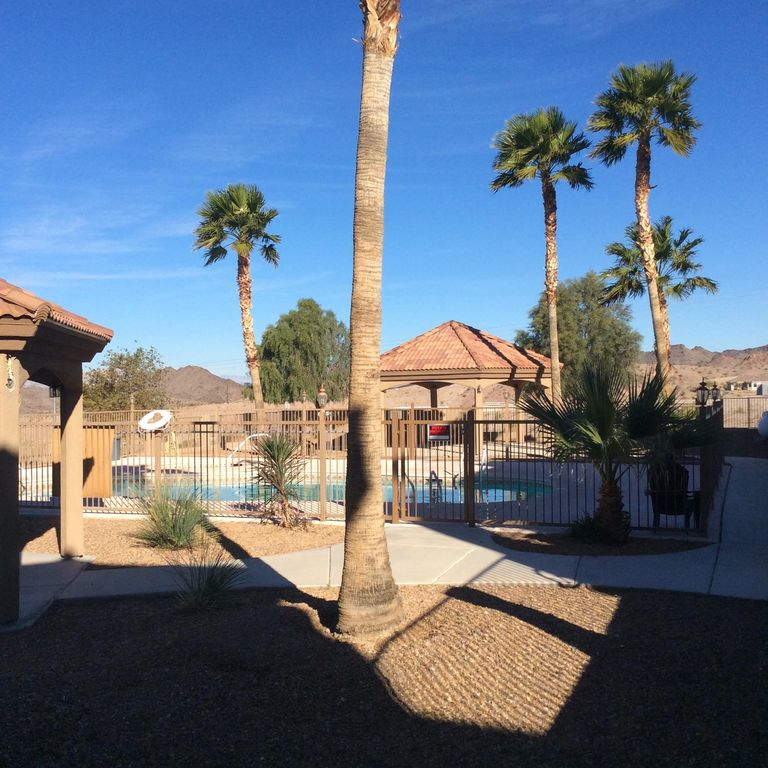 Bullhead city vacation rental vrbo 676841 2 br nv for Laughlin cabins