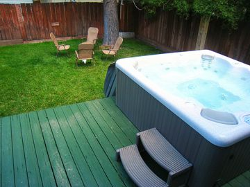 Sierra Tract cabin rental - Private backyard for BBQing and hot tubbing!