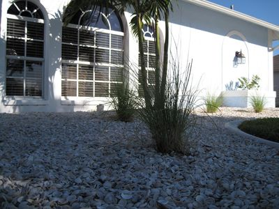 Cape Coral house rental - White shells