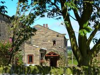 GREEN CLOUGH FARM, character holiday cottage in Haworth, Ref 16969