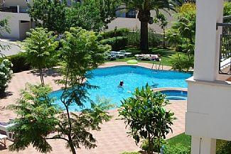 5 Star Luxury 2 Bed Apartment, air con, first floor, beautiful pool & jacuzzi
