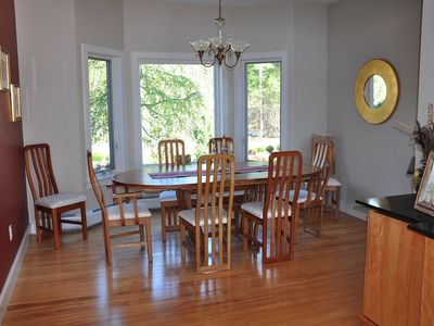 Dining room with views of front garden. Seats 8 comfortably.