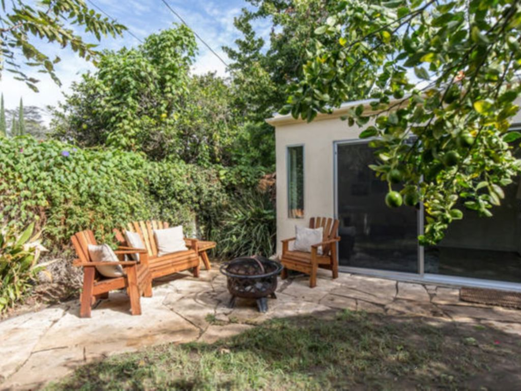 Garden guest spa room with sauna and homeaway valley for Garden guest room