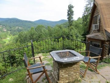 Mountain Lodge Realty Moonshine Ridge Outdoor Gas fireplace to enjoy views