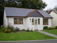 Inny Glade  Quiet, spacious streamside bungalow   North Cornwall