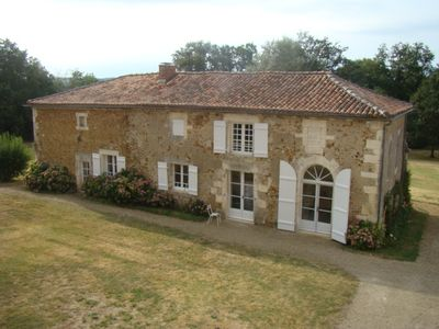 Charming lodge in the heart of a large park / + possibility 2CV lease