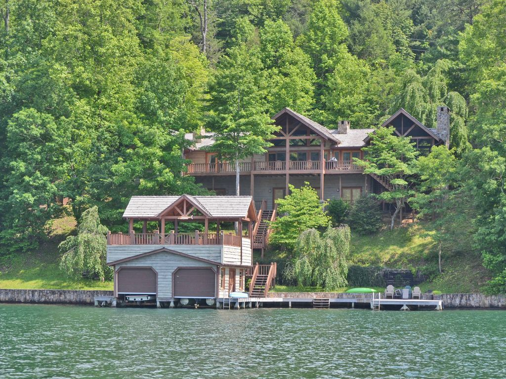 New Listing Luxury On Lake Burton 5br Vrbo