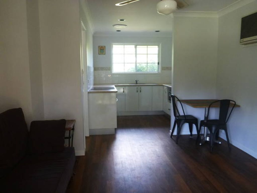 Country Music accommodation- Kingswood