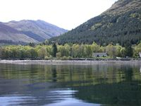Luxury Waterfront Cottage near Glencoe with Free use of swimming pool