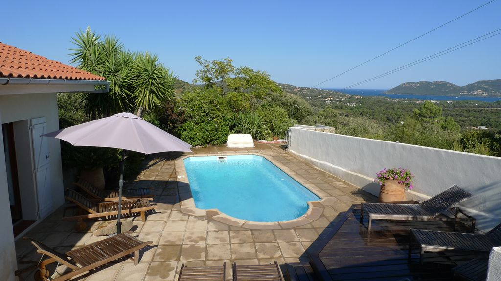 Air-conditioned accommodation, 160 square meters, close to the beach