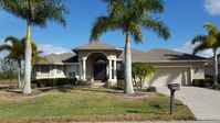 Executive Home In Private Setting, With Heated Pool, On The Water Near 7 Beaches