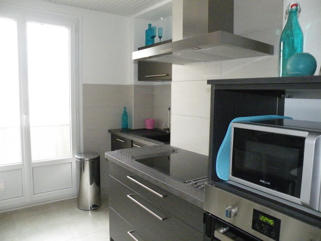 Location meublee appartement refait neuf moderne pour 2 for Location meublee grenoble