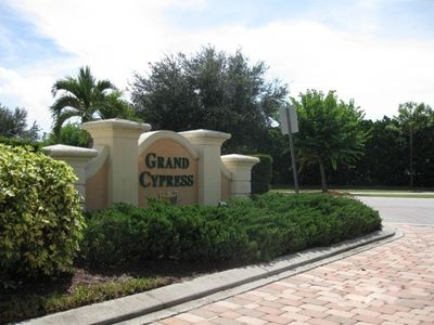 Entrance to Grand Cypress Drive