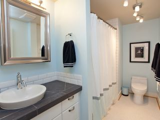 Portland condo photo - Full bathroom