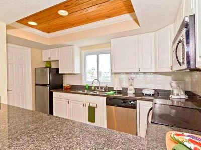 Jacksonville Beach townhome rental - Kitchen with everyhing for the chef