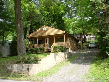 McHenry cabin rental - Come relax in a cozy setting with your own dock right on the lake.